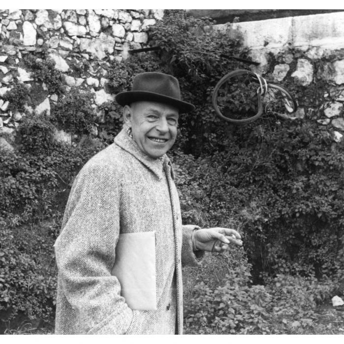 Jean Dubuffet à Vence Michel Ragon France, Alpes-Maritimes, Vence 1957 © Archives Fondation Dubuffet, Paris / photo, Michel Ragon