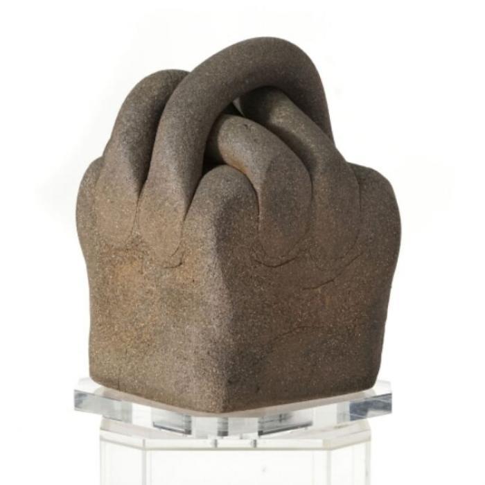 La sculpture de Chillida, datée 1984.  Crédits: Succession Chillida, Piguet, Genève 2021.