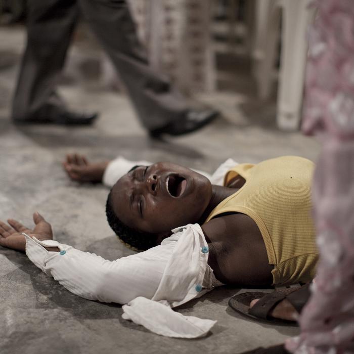 Photo de la série réalisée en marge de Tropical Gift par Christian Lutz (1973- ) Nigeria, Delta du Niger, Oporoza. 2010. Avec l'aimable autorisation de Christian Lutz, Genève