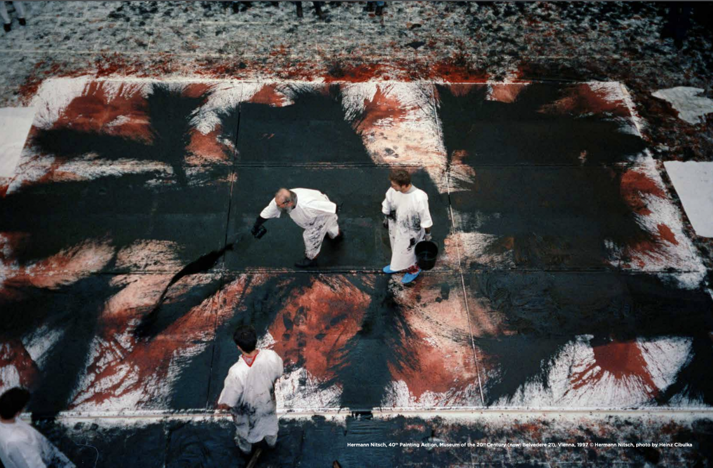 Photo : Hermann Nitsch, 40th Painting Action, Museum of the 20th Century (now: Belvedere 21), Vienna, 1997 © Hermann Nitsch, photo by Heinz Cibulka.